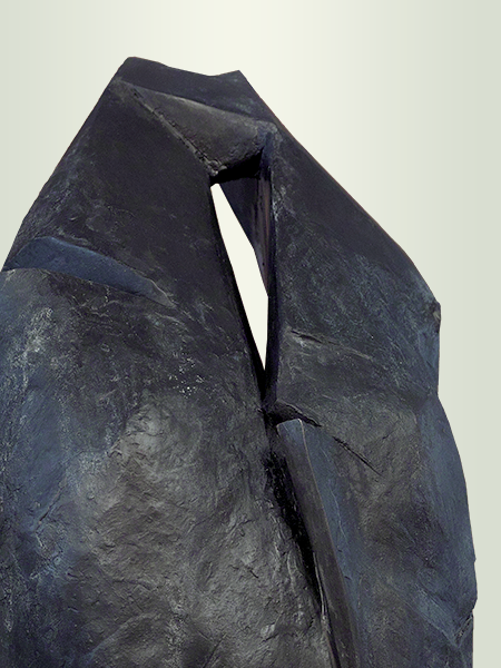 Sculpture, title: Dame