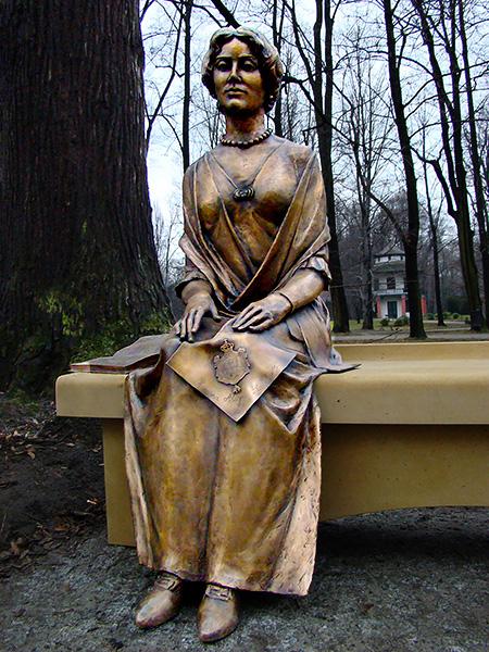 Sculpture, title: Alicja Habsburg