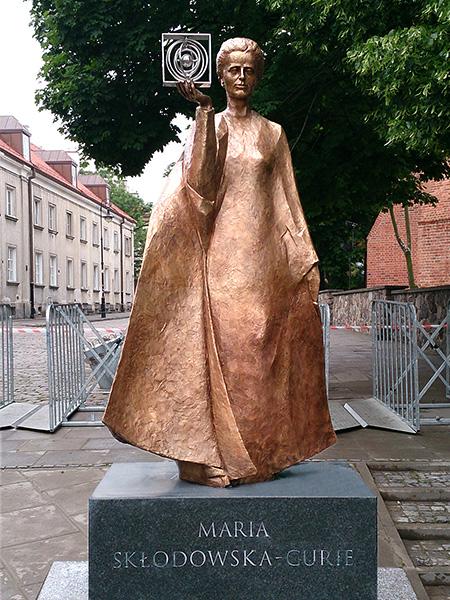 Sculpture, title: Maria Skłodowska-Curie